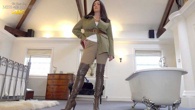 Sexy leather thigh boots and tight jodhpurs Miss Hybrid looks fantastic.