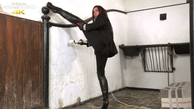 Miss Hybrid leather thigh boots and leather gloves, easy access jodhpurs.